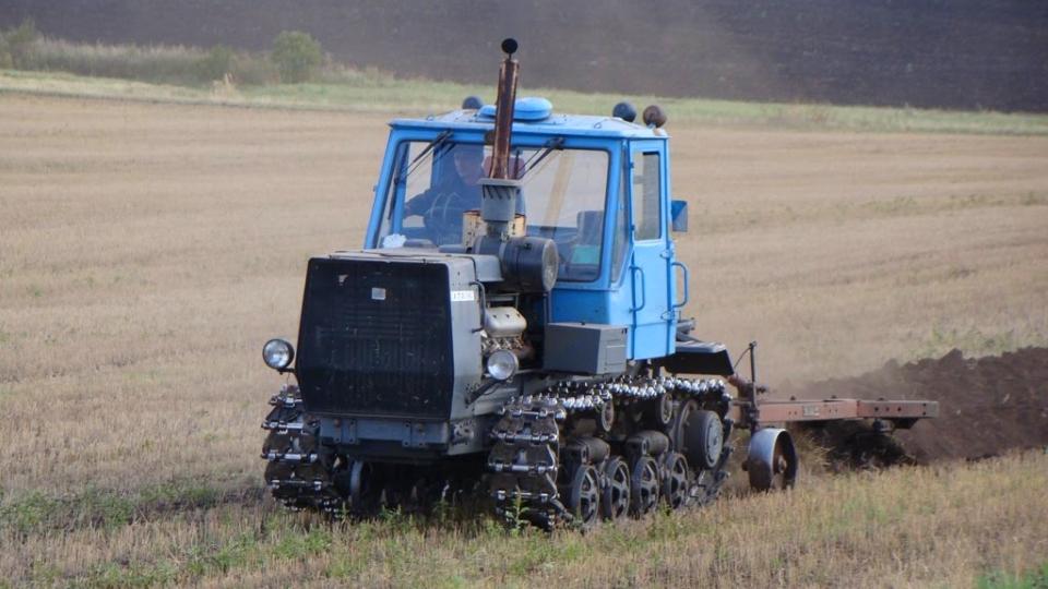 Трактор Т 150 гусеничный