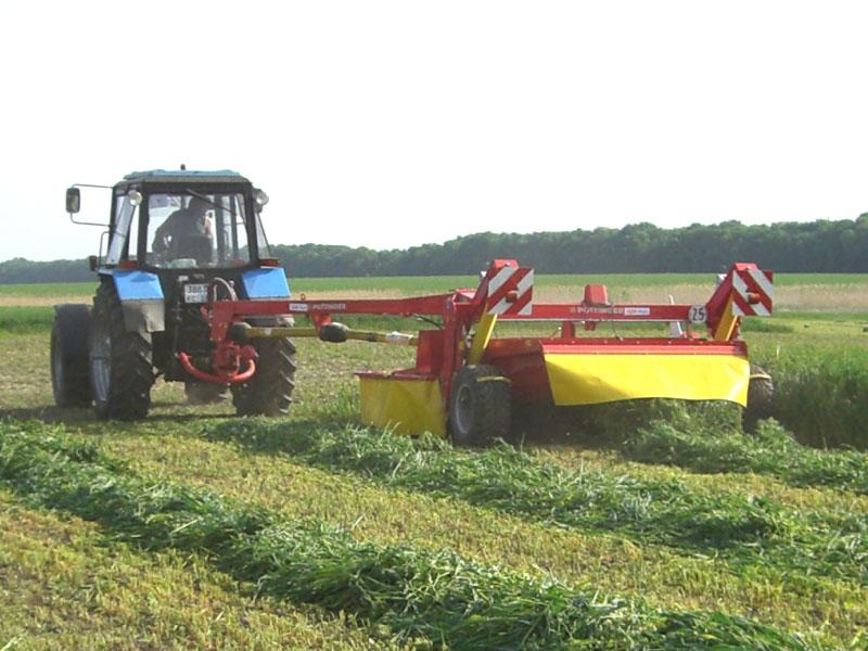 Traktor MTZ-1221