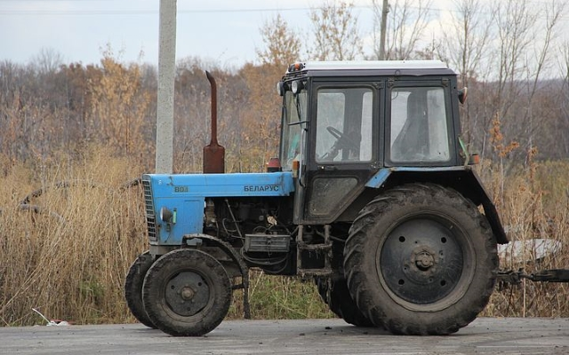 В Воронежской области мужчина избил сторожа и угнал трактор