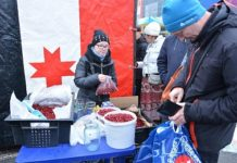 На сельхозярмарке в Ижевске свою продукцию представили 21 район республики