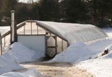 Как построить зимнюю теплицу своими руками