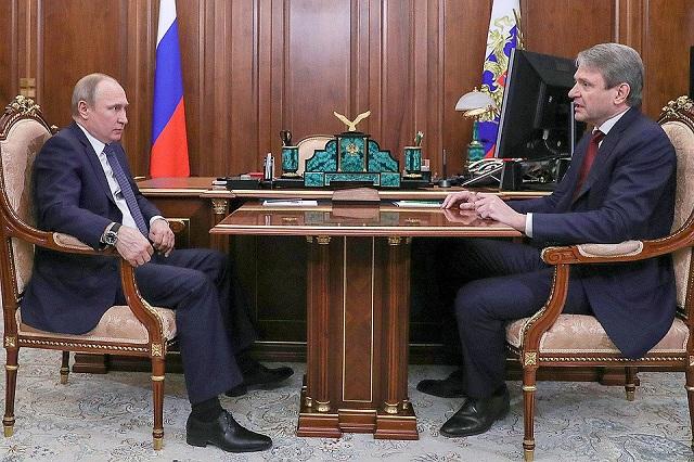В Кремле состоялась рабочая встреча Президента РФ и Министра сельского хозяйства