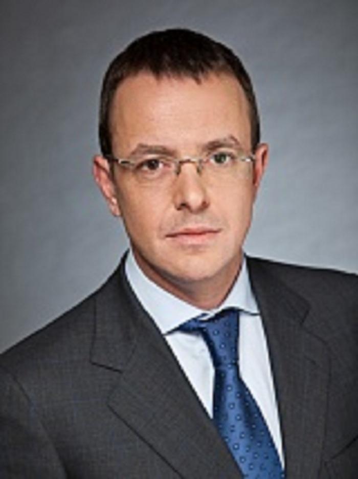 Дмитрий Патрушев формирует команду