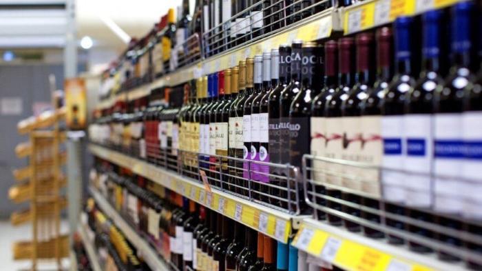 Продавцы алкоголя могут пока выдохнуть