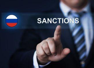 В чьих интересах публичный разговор об отмене санкций