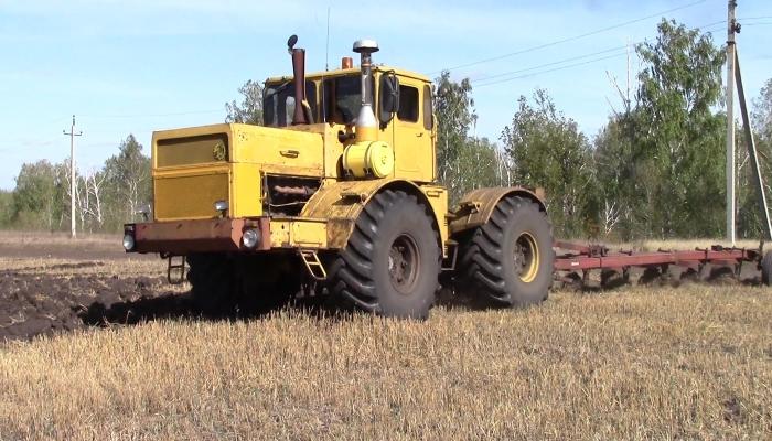 Алтайские аграрии в сентябре получат 300 млн рублей господдержки из-за роста цен на ГСМ