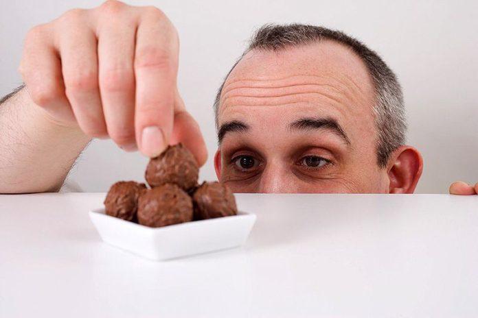 Россияне ставят очередной пищевой рекорд. В поедании сладкого