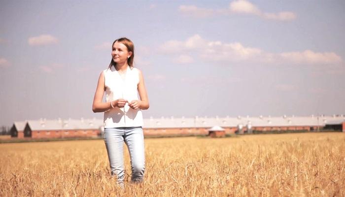 Photo of Подружилась в поле с дроном, или Зачем агроному беспилотник