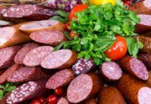 Производители мясных изделий просят помощи у правительства