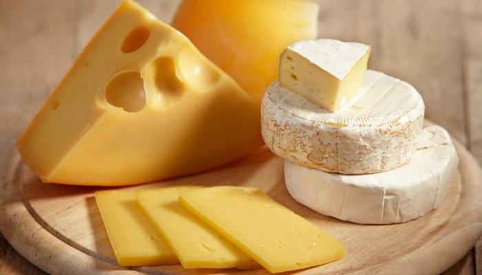 Россия сократила экспорт сыров и творога