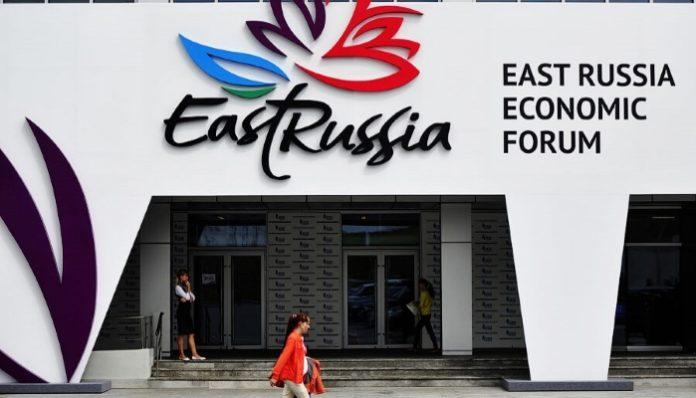 Вице-премьеры РФ и Китая обсудили документы, которые могут подписать на ВЭФ