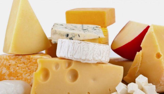 За неделю сыр подорожал на 0,2%, сливочное масло стало дешевле на 0,1%