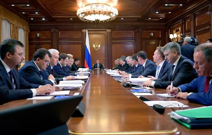 Правительство РФ до 2024 года планирует наращивать несырьевой экспорт на 9,4% в год
