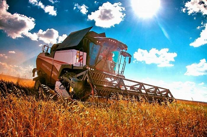 Производители сельхозтехники попросили сохранить субсидию на российские агромашины