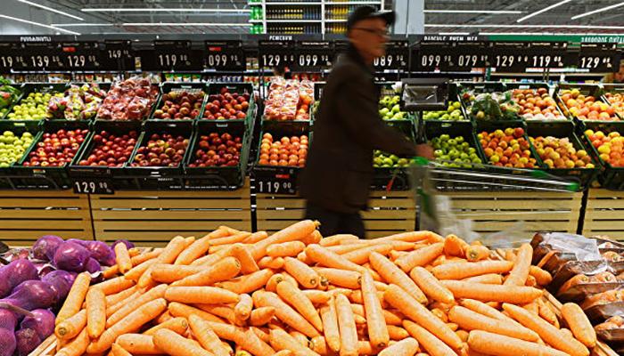 Эксперты объяснили, почему закрыть гипермаркеты в выходные – не для России