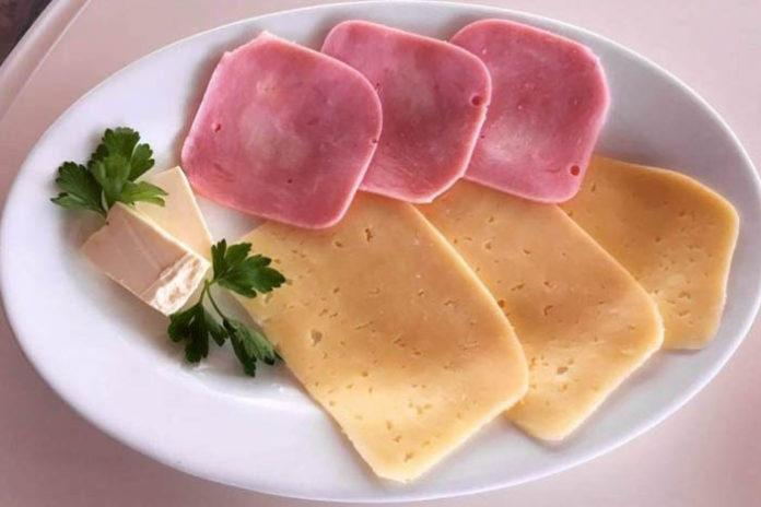 Российские колбасы и сыры проверят на качество