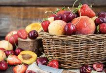Алексей Гордеев анонсировал снижение НДС вдвое на фрукты и ягоды