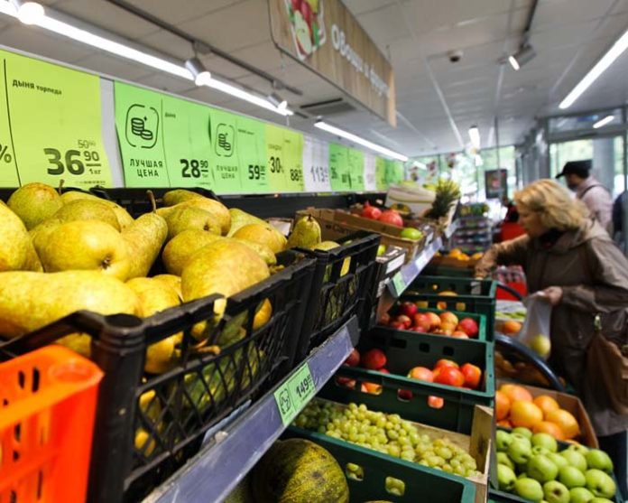 Правительство обсуждает снижение НДС вдвое на фрукты и ягоды
