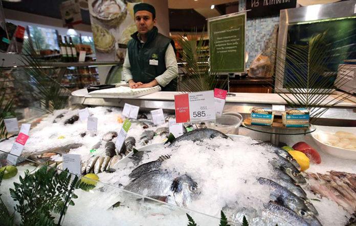 Роспотребнадзор выявил превышение ледяной глазури почти в 20% импортной рыбной продукции