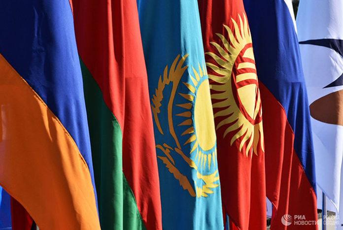 В ЕАЭС заявили о неготовности к полной отмене торговых ограничений с Китаем