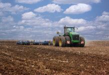 В 14 районах Новгородской области приступили к полевым работам