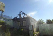 В Вольске от туалета загорелся дом с тремя детьми 1