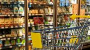 Сколько россияне тратят за один поход в магазин