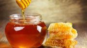 Эксперты Роспотребнадзора рассказали, как выбрать натуральный мед