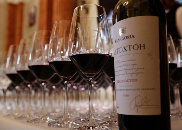 Новые акцизы увеличат долю российского вина, а цены вырастут незначительно — виноделы