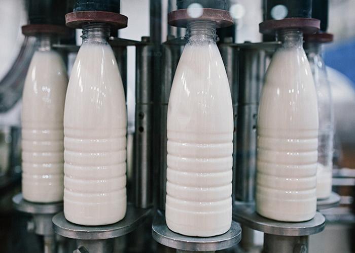 Рейтинг регионов по абсолютному приросту и снижению производства молока