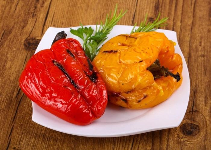 Сладкий перец жареный целиком