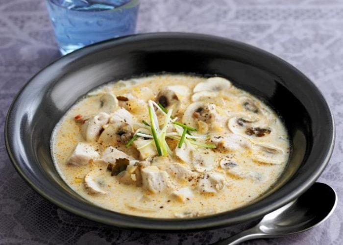 Суп-жульен из шампиньонов с картофелем и сливками