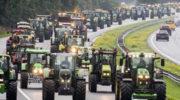 200 фермеров на тракторах устроили акцию протеста в Берлине