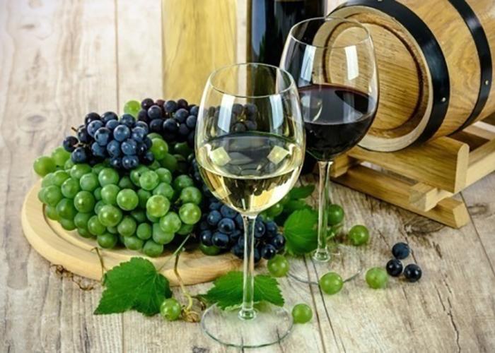 Французские виноделы проведут семинары для российских производителей региональных брендов