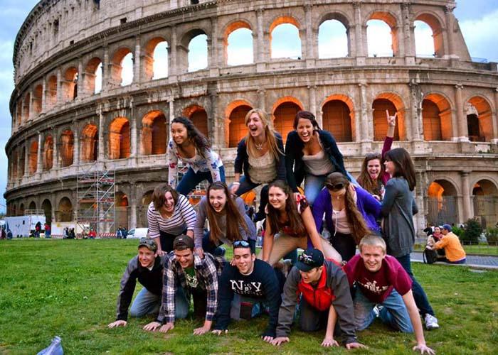 Министр сельского хозяйства Италии зовет безработную молодежь в деревню