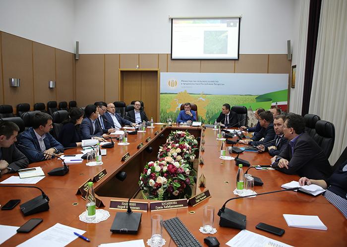 В Татарстане обсудили вопросы паспортизации полей и внедрения цифровых технологий в сельское хозяйство