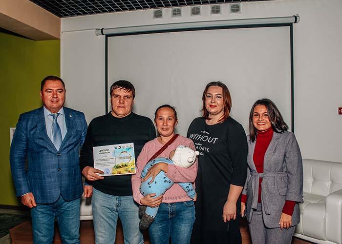 5 семей из Менделеевского района Татарстана стали обладателями оборудования для выращивания домашней птицы