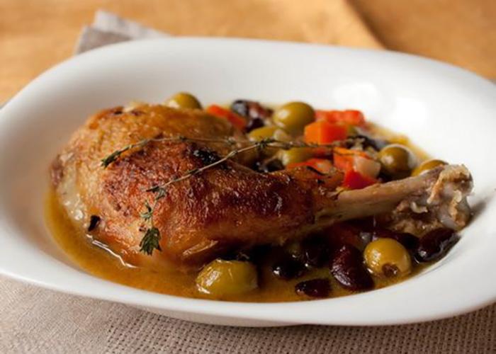 Курица с красной фасолью
