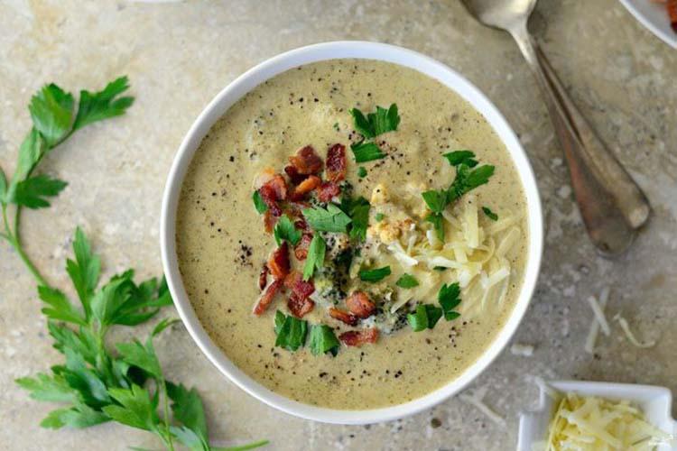 Суп из брокколи и цветной капусты