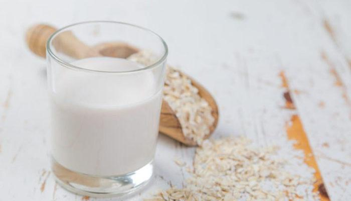 Британские исследователи выяснили, что растительные аналоги молока слаще и вреднее натурального продукта