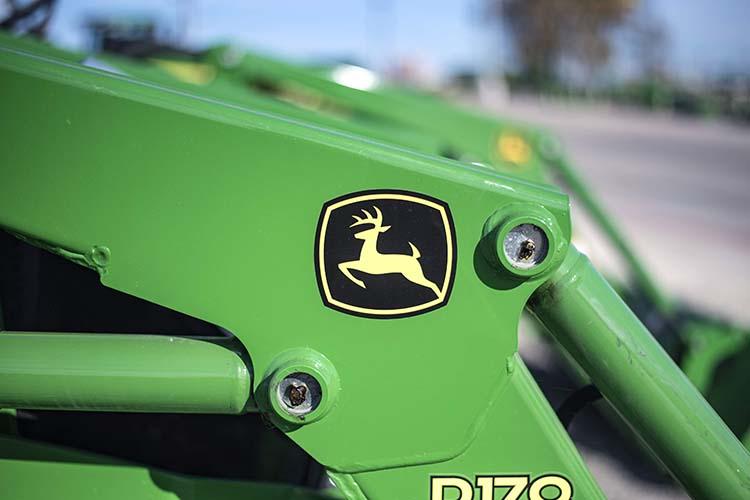Deere & Co объявила о чистом доходе за год составившим 3.253 млрд долларов США