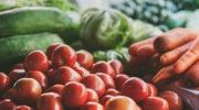 В Минсельхозе предложили запретить госзакупки импортных огурцов и помидоров