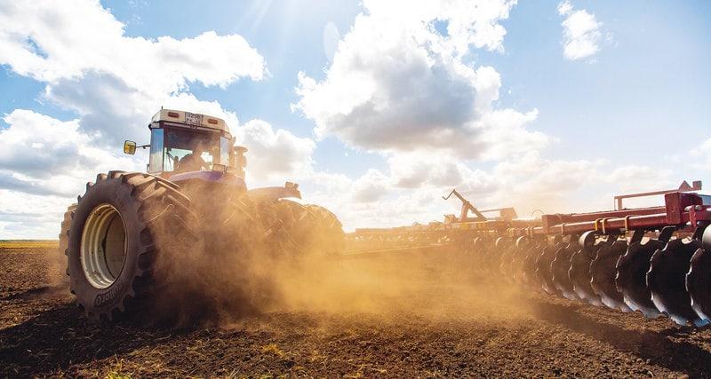 Photo of Один в поле воин: безумный трактор-рекордсмен
