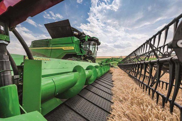 John Deere представила новую линейку жаток для зерноуборочных комбайнов