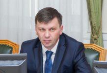 Министр Андрей Бурлаков и его заместитель останутся под стражей