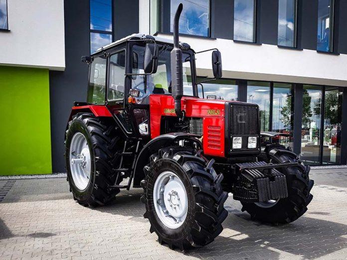 Трактор МТЗ 1221 «Беларус»