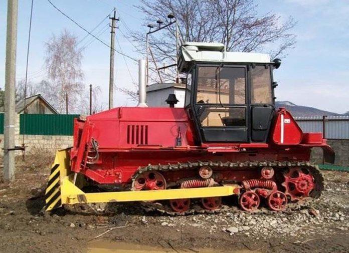 Трактор ВТ-100