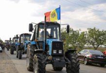 Молдавские аграрии на тракторах отправились на «штурм» Кишинева