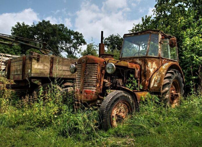 Парк сельхозтехники России на 70% состоит из изношенных тракторов