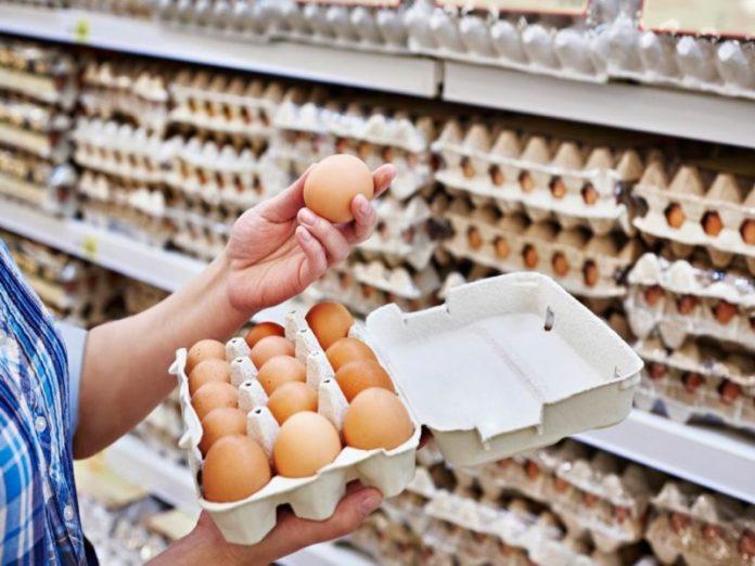 Минпромторг призвал торговые сети повысить закупочные цены на куриные яйца